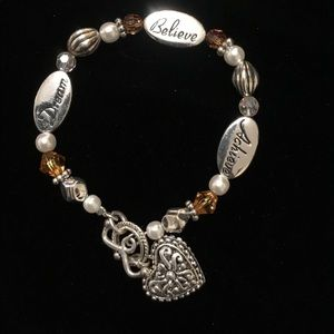 Jewelry - Beautiful silver bracelet with beads Sz 7:5